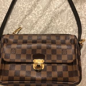 Preowned almost new Louis Vuitton Ravello GM bag.